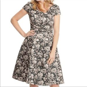 Gal Meets Glam Floral Dress Size 18 NWOT